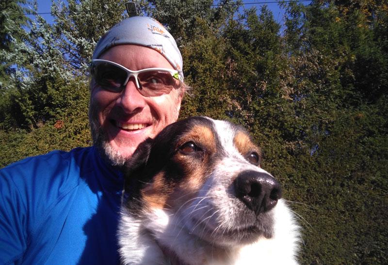 Nachhausekommen mit Hund